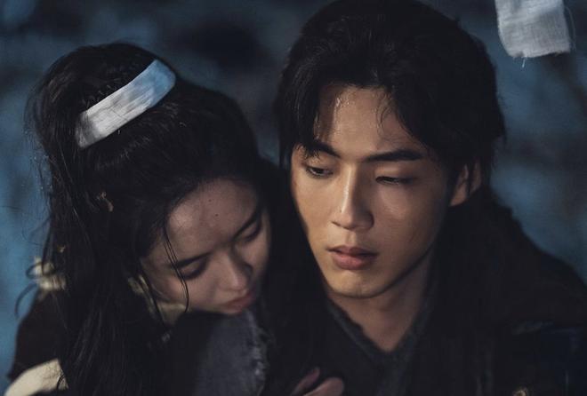 Kim Ji Soo nhập ngũ sau phốt bị tố trùm sò đầu gấu học đường-2