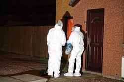 Cụ bà không tiêm vaccine Covid-19, cảnh sát đến nhà phát hiện cảnh ám ảnh