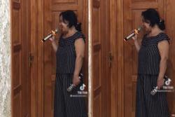 Cười sặc bà nội cầm micro lên tận phòng nhắc cháu gái lười rửa bát