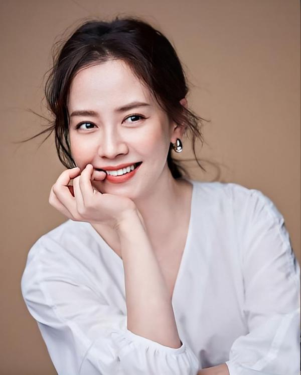 Không phải nữ chính, Song Ji Hyo mới là mỹ nhân gây sốt Hoàng Cung remake-2