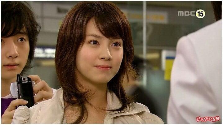 Không phải nữ chính, Song Ji Hyo mới là mỹ nhân gây sốt Hoàng Cung remake-8