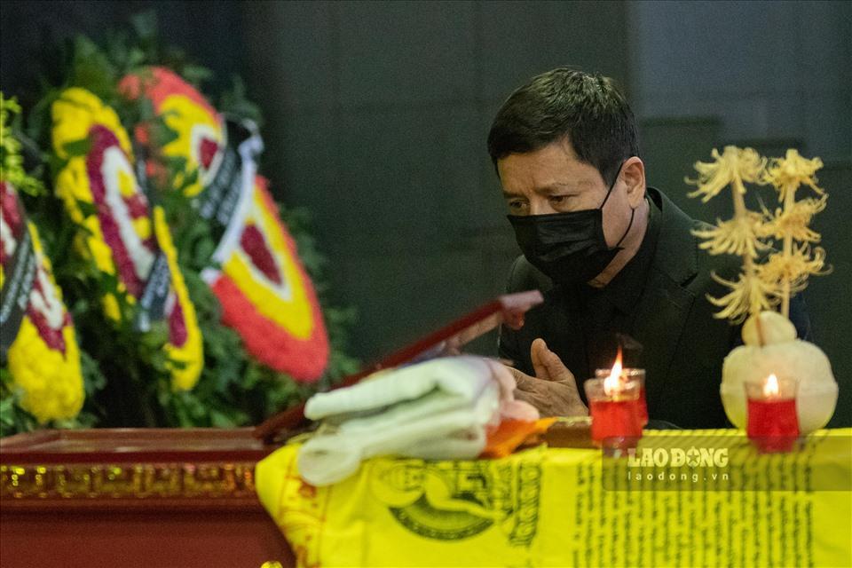 NSƯT Chí Trung cùng nhiều nghệ sĩ ngậm ngùi tiễn biệt bố Trần Hạnh-10