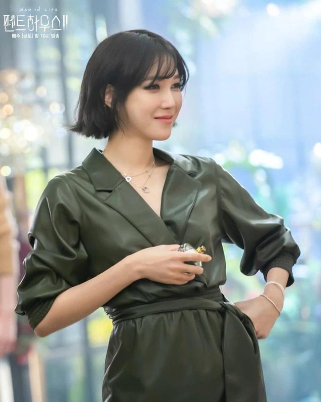 Lee Ji Ah tái xuất Penthouse 2: Độ sang xịn lên tầm cao mới, trẻ trung và chất lừ-3