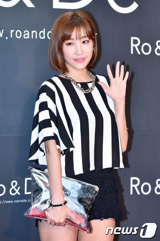Idols Kpop chật vật với cuộc sống, đi làm nhân viên phục vụ khi hết thời-3