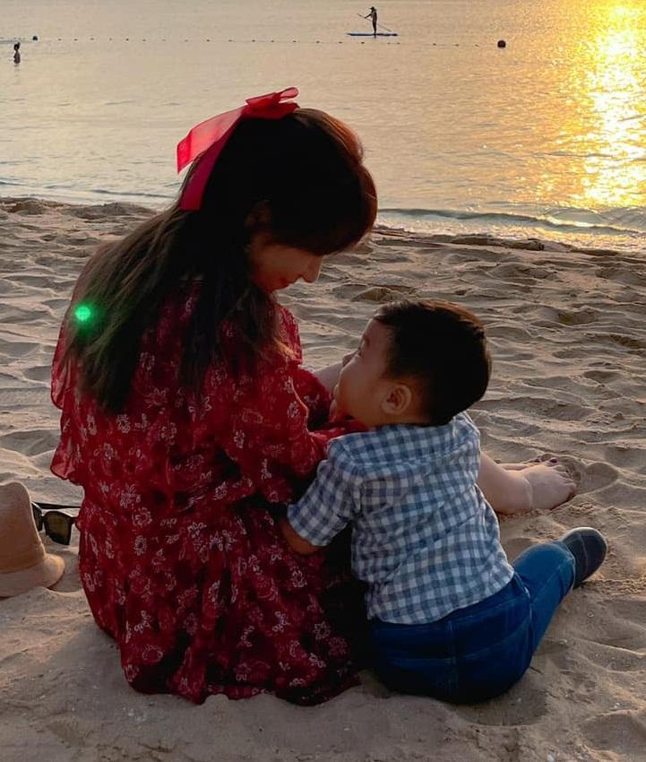 Hòa Minzy phản ứng gắt khi bị bắt bẻ chưa chồng mà có con-5