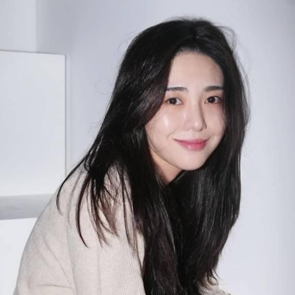 HOT: Mina (AOA) livestream kể bị sao nam đình đám cưỡng hiếp-2