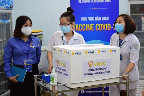 Hôm nay Việt Nam bắt đầu tiêm vaccine Covid-19-1