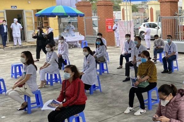 Hôm nay Việt Nam bắt đầu tiêm vaccine Covid-19-2