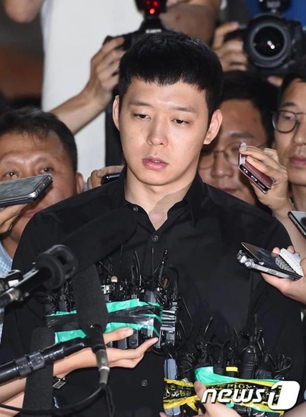 5 diễn viên tanh bành sự nghiệp: Ji Soo bạo lực học đường chưa bằng Trịnh Sảng phốt liên hoàn-15
