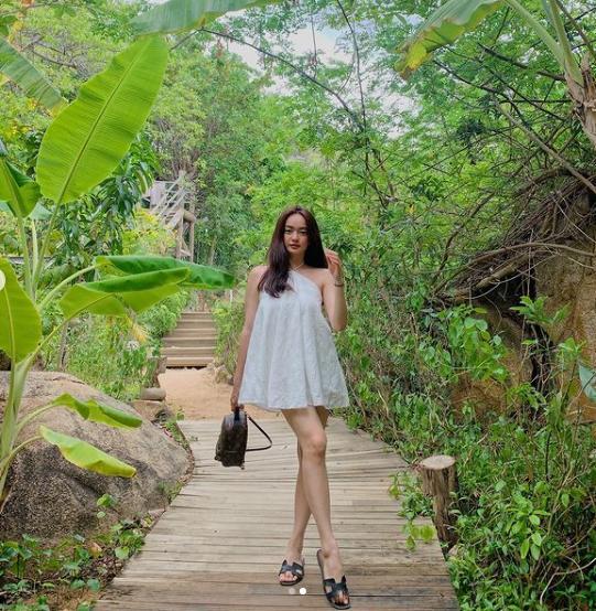 Tuyệt chiêu hack dáng của cô nàng 3 mét bẻ đôi Kaity Nguyễn-5