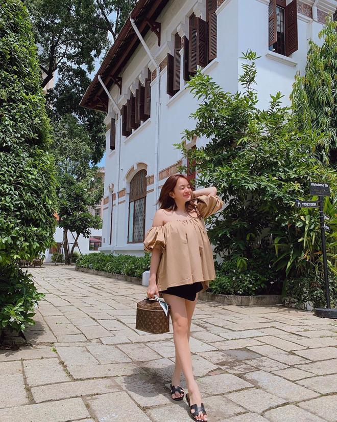 Tuyệt chiêu hack dáng của cô nàng 3 mét bẻ đôi Kaity Nguyễn-10