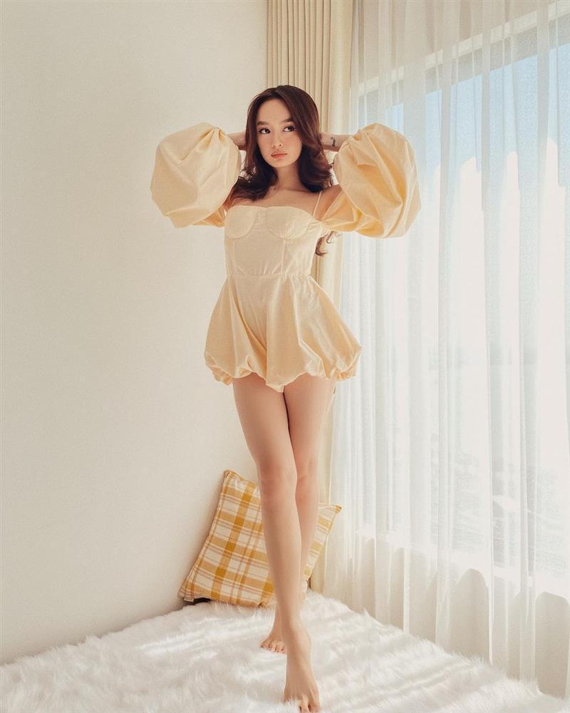 Tuyệt chiêu hack dáng của cô nàng 3 mét bẻ đôi Kaity Nguyễn-3