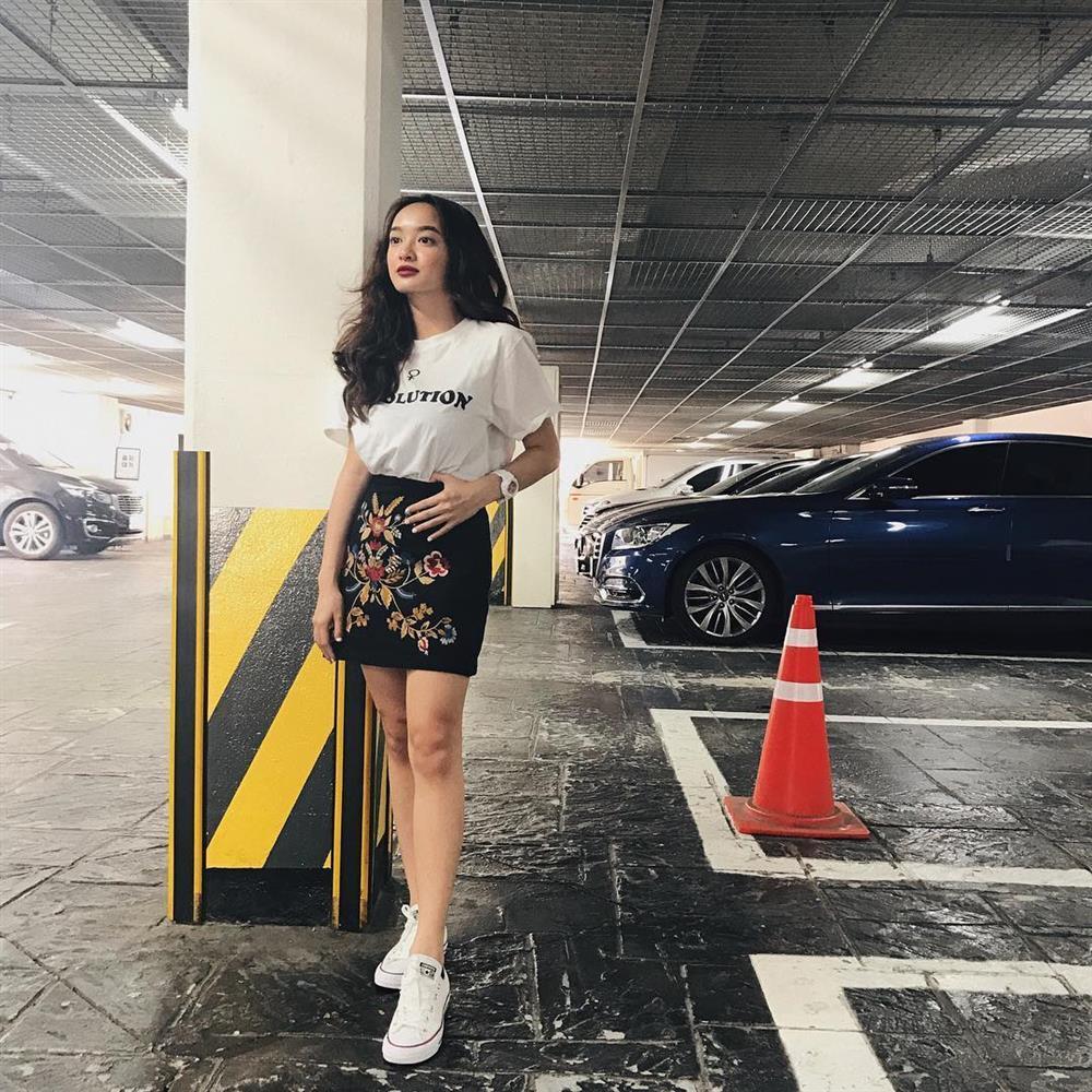 Tuyệt chiêu hack dáng của cô nàng 3 mét bẻ đôi Kaity Nguyễn-9