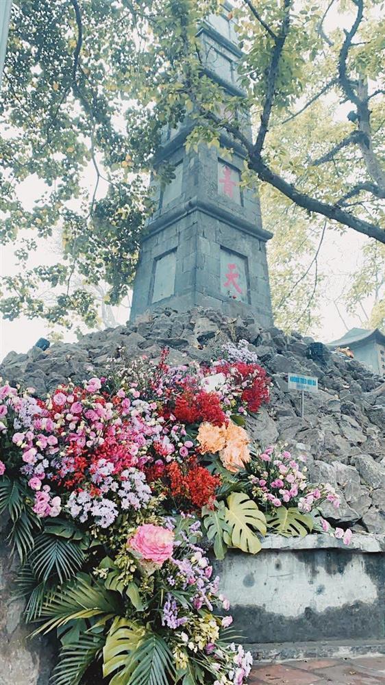 Spotlight ngày 8/3: Nhiều cột đèn Hà Nội nở hoa khiến dân tình xỉu dọc, xỉu ngang-6