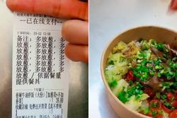 Thích ăn hành, thực khách order 15 lần vào suất ăn, nhân viên 'bực mình' làm ra hành động choáng