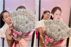 Nhật Kim Anh khiến hội chị em ghen tỵ với bó hoa tiền 8/3