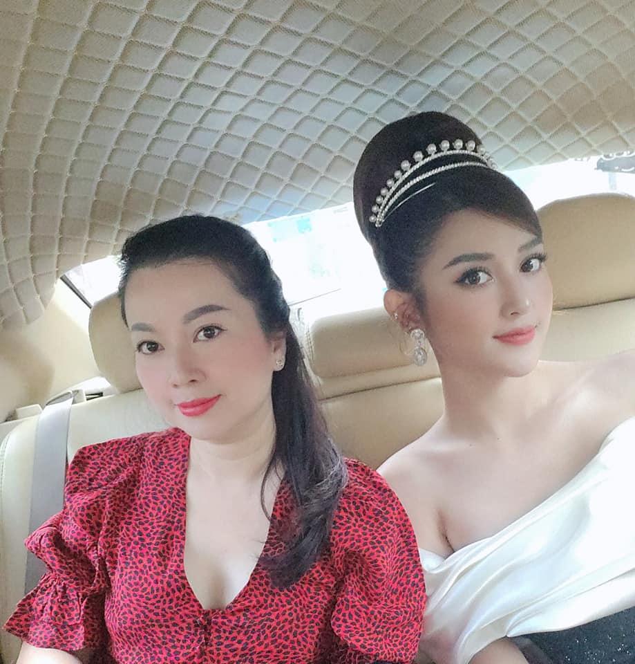 4 người mẹ sao Việt: Nhan sắc không tuổi, phong cách lấn át con gái-5