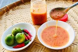 Mách chị em cách làm nước chấm ớt đỏ: Hội nghiện hải sản phải thử!