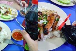 Thanh niên 'ngược đời' ăn cơm tấm với… nước tương khiến dân mạng tranh cãi