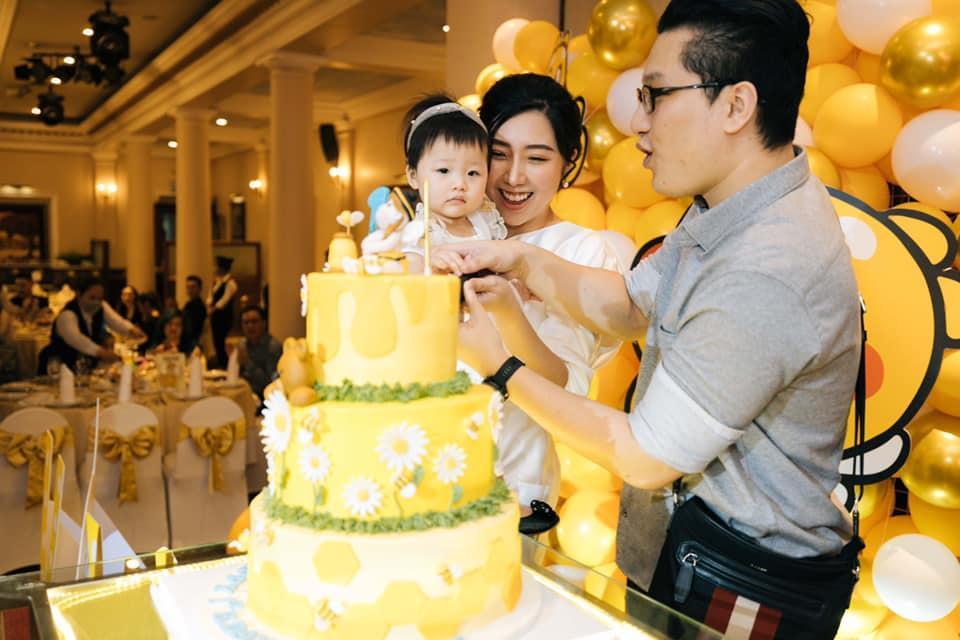 Tiệc sinh nhật 1 tuổi chuẩn rich kid của cháu gái Trấn Thành-2