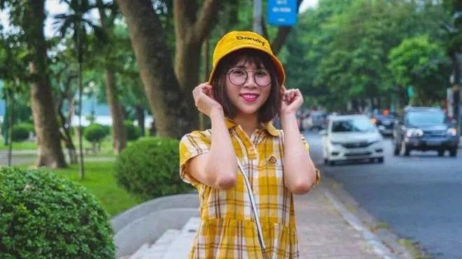 Hai món phụ kiện bất di bất dịch của Youtuber Thơ Nguyễn-6