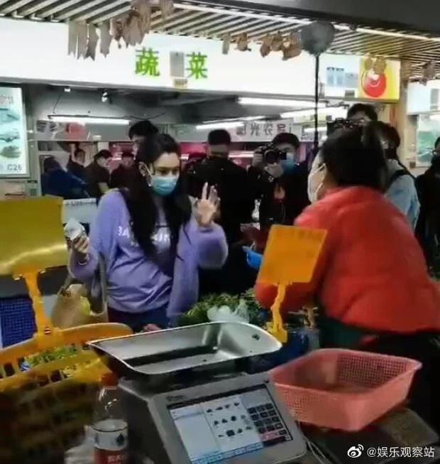 Trương Bá Chi lộ vòng 2 bất thường giữa tin đồn tái hợp Tạ Đình Phong-1
