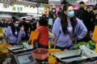 Trương Bá Chi lộ vòng 2 bất thường giữa tin đồn tái hợp Tạ Đình Phong