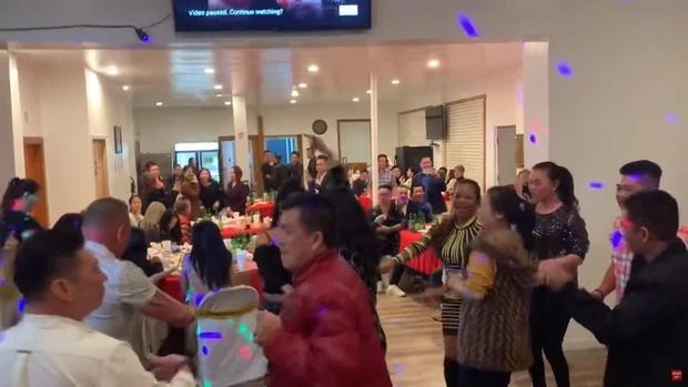 Chị Vân Quang Long nói về bữa tiệc thác loạn cúng 49 ngày em trai-2