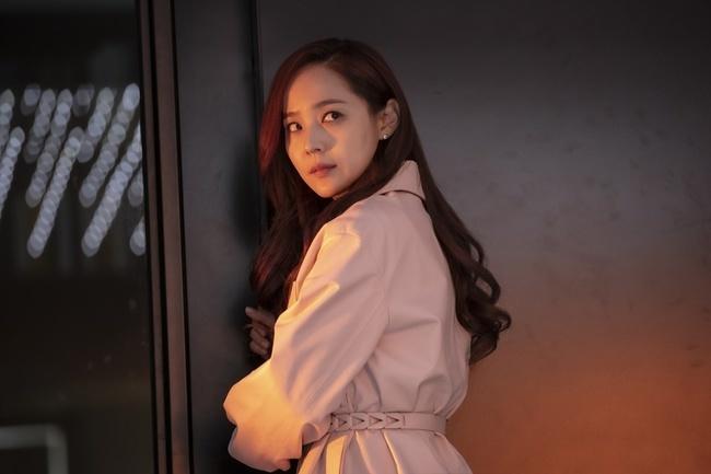 Điều gì khiến ác nữ Cheon Seo Jin quỳ gối trong tập 7 Penthouse 2?-4