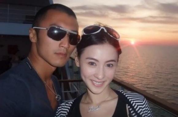 Trương Bá Chi lấy túi hiệu che bụng giữa tin đồn tái hôn Tạ Đình Phong-5