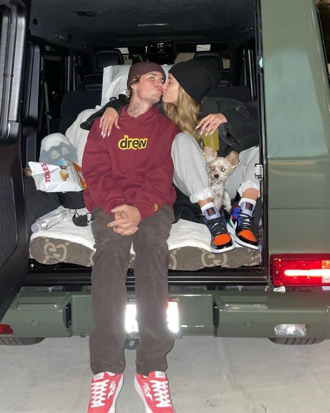 Justin Bieber: Vợ tôi sống nguyên tắc và trách nhiệm-4