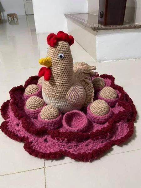 Con sen khổ sở vì hoàng thượng có sở thích ấp trứng, ổ gà trang trí cũng bị phá-1