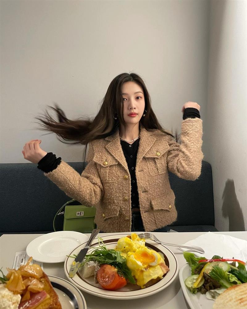 Style sao Hàn: Lee Da Hee trẻ trung, ác nữ Penthouse diện đồ bình dân vẫn sang chảnh-6