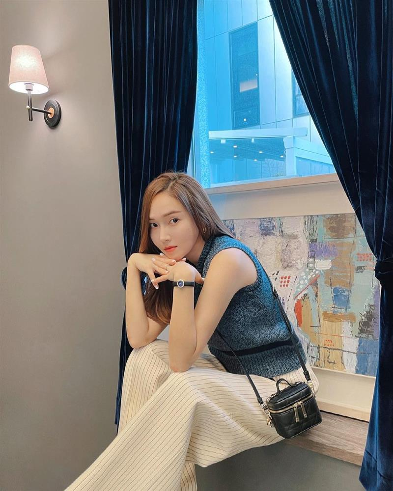 Style sao Hàn: Lee Da Hee trẻ trung, ác nữ Penthouse diện đồ bình dân vẫn sang chảnh-8