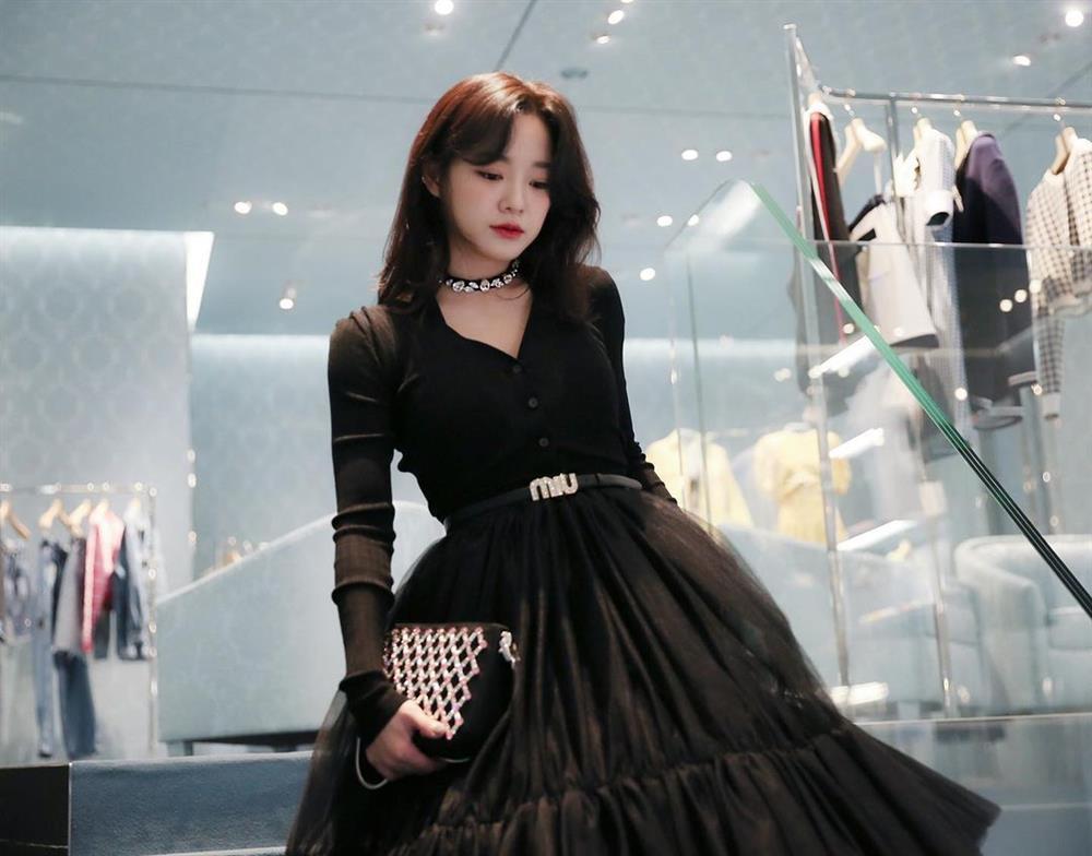 Style sao Hàn: Lee Da Hee trẻ trung, ác nữ Penthouse diện đồ bình dân vẫn sang chảnh-9