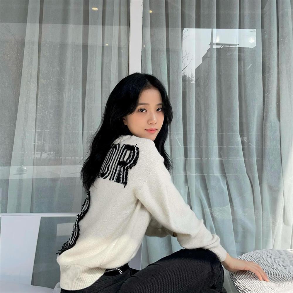 Style sao Hàn: Lee Da Hee trẻ trung, ác nữ Penthouse diện đồ bình dân vẫn sang chảnh-11