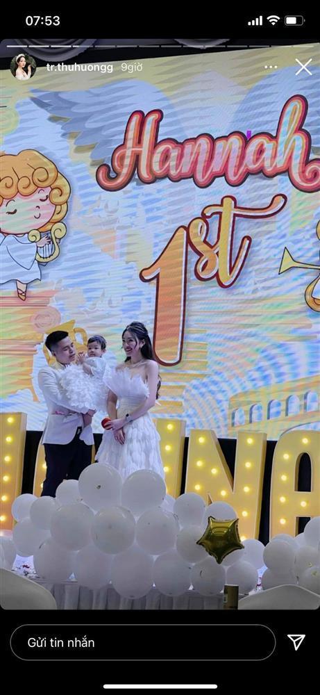 Cô dâu 200 cây vàng tổ chức tiệc sinh nhật chuẩn rich kid cho con gái 1 tuổi-1