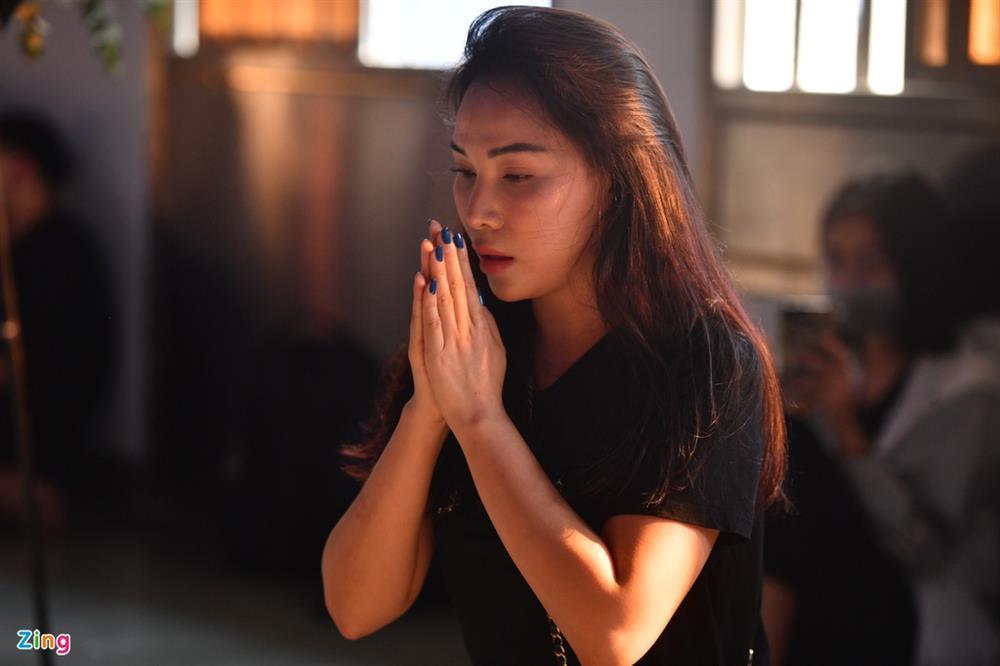 Trường Giang, Nhã Phương viếng chuyên gia trang điểm Minh Lộc-8