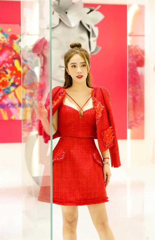 Đụng hàng váy áo, Quỳnh Nga - Lynk Lee đọ vòng 1 nâng cấp-3