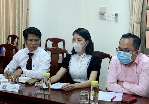 Thơ Nguyễn làm việc với công an, liên tục kêu mệt xin về sớm-1