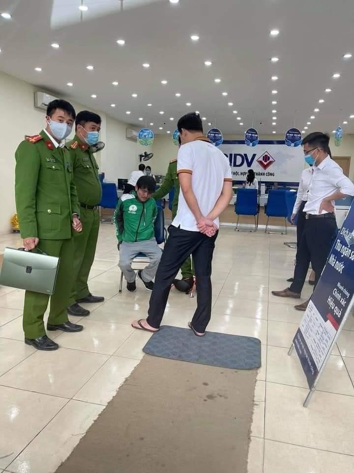 Vụ cướp ngân hàng BIDV ở Hà Nội: Mang bật lửa hình súng đi cướp-1