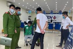 Vụ cướp ngân hàng BIDV ở Hà Nội: Mang bật lửa hình súng đi cướp