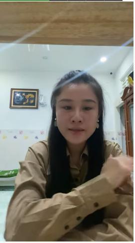 Vợ hai Vân Quang Long tặng lại 100 triệu cho bố mẹ chồng-3