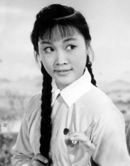 Tuổi 18 của các mỹ nhân Hoa ngữ, ai mới là người đẹp nhất?-1