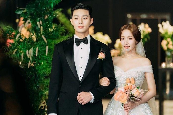 Park Min Young - Park Seo Joon bị soi diện đồ đôi tình tứ-9