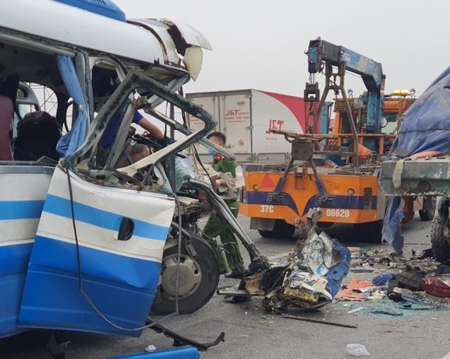 Nỗi ám ảnh của nạn nhân vụ xe khách gặp nạn khi đi lễ chùa-2