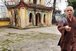 Trụ trì chùa Hưng Khánh cầm hương cháy dở đuổi người đến lễ Phật