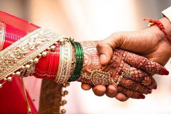 Chú rể nằng nặc đòi kết hôn rồi bỏ trốn ngay ngày cưới, nguyên nhân phía sau gây phẫn nộ-1