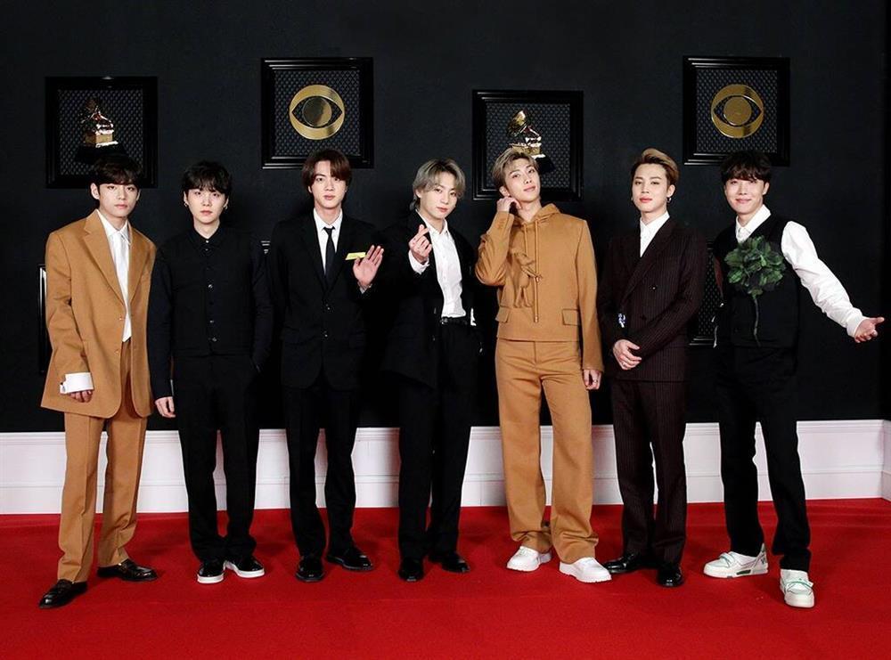 Billboard bị Army tấn công vì miệt thị màu da BTS-5