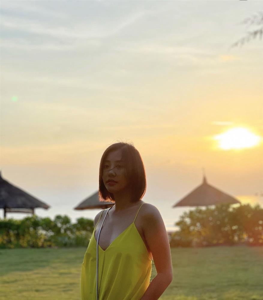 Văn Mai Hương khoe gò bồng đảo sexy đến ná thở-10